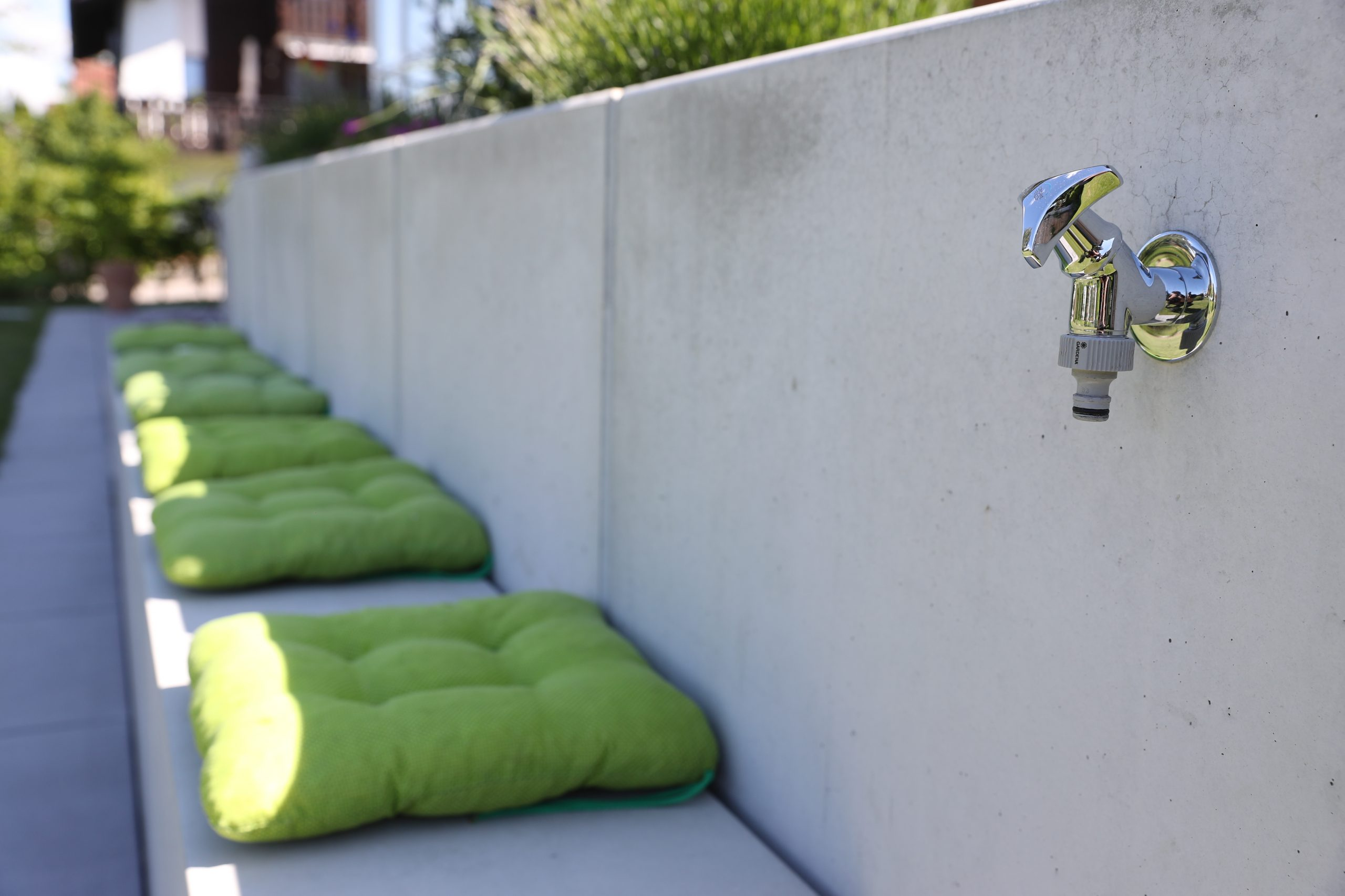 Designgarten | Terrassierung | Mauerscheiben | Sichtbeton