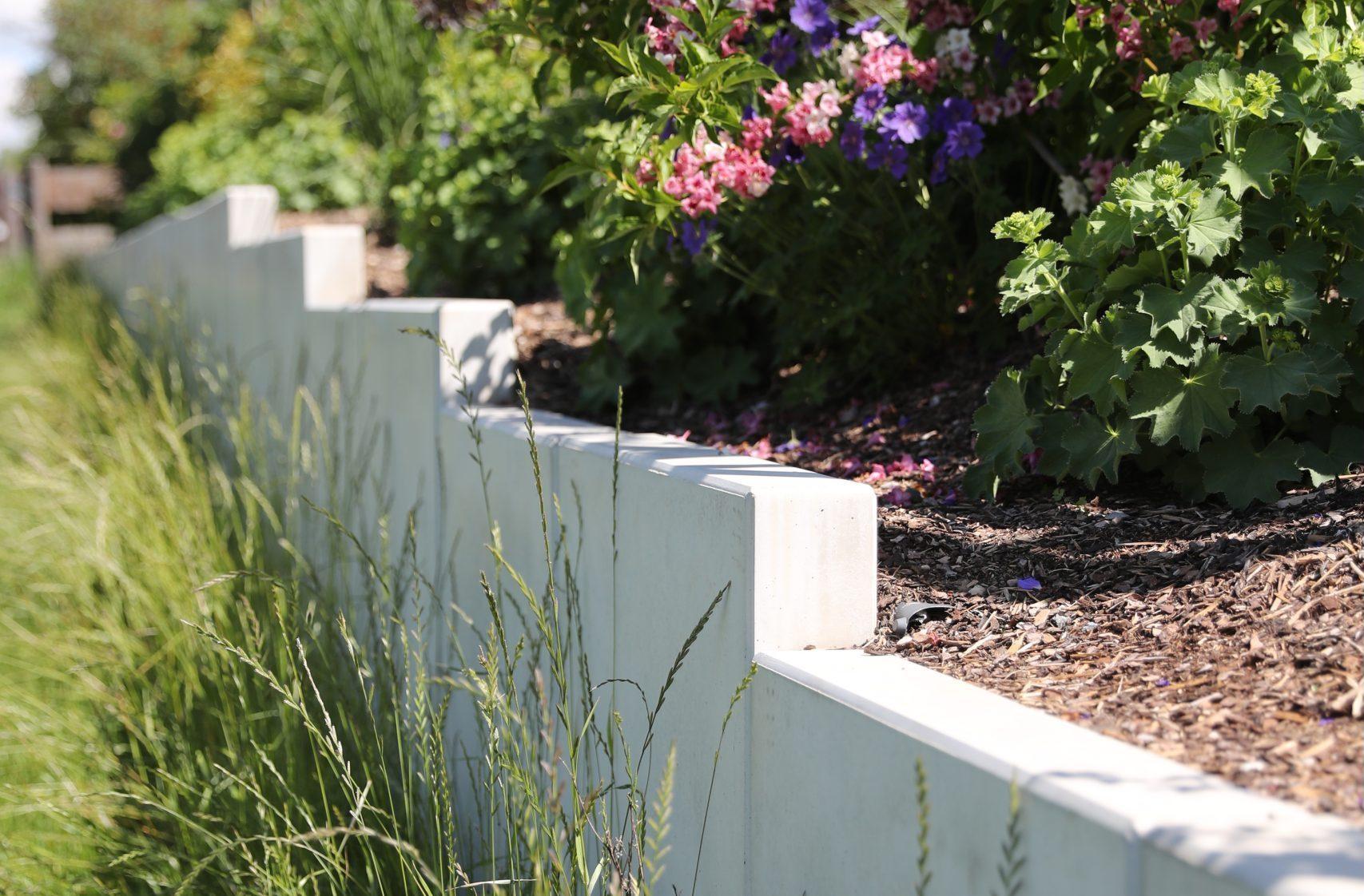 Projekte | Designgarten | Hangverbau| Mauerscheiben