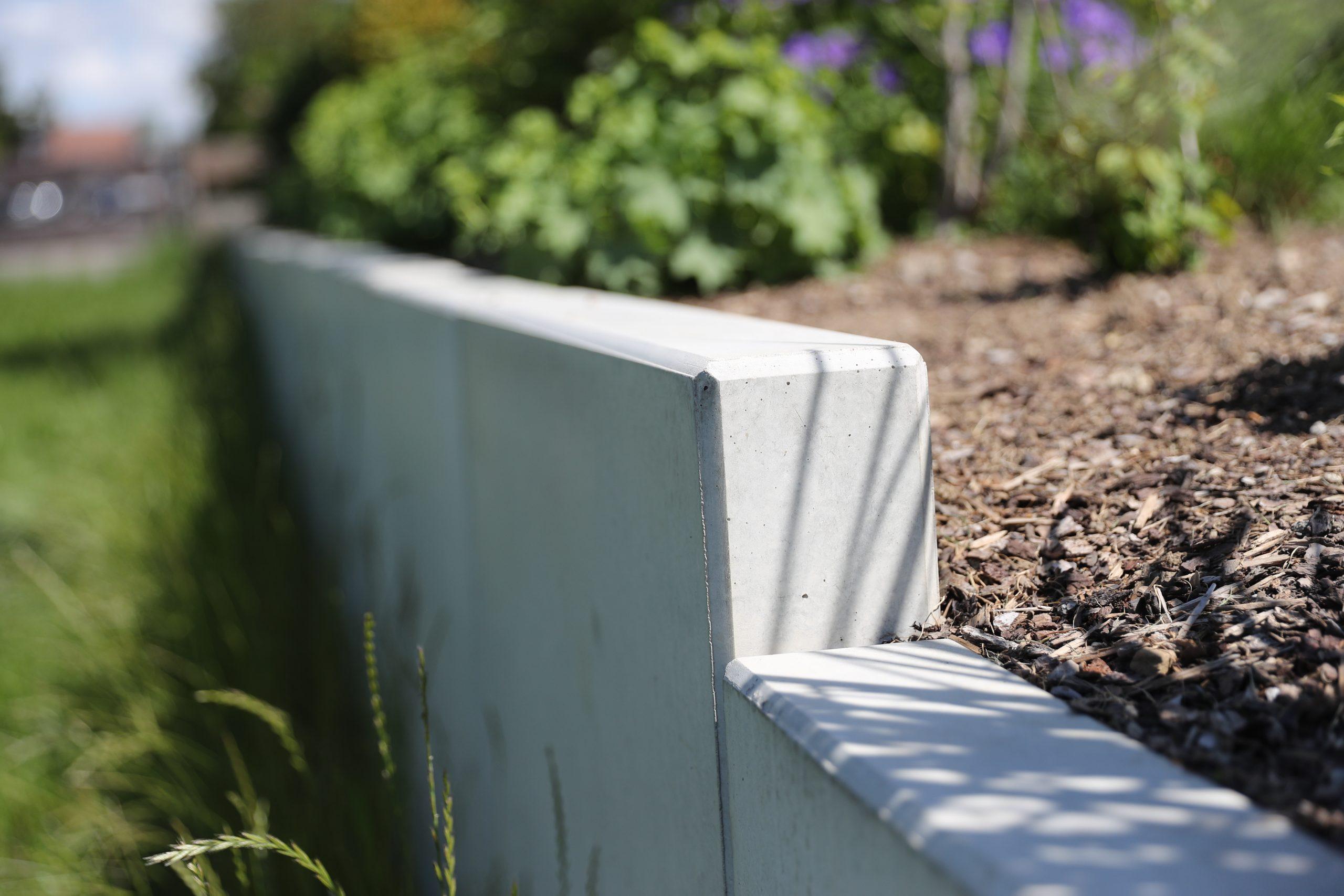 Designgarten| Hangverbau| Mauerscheiben aus Beton